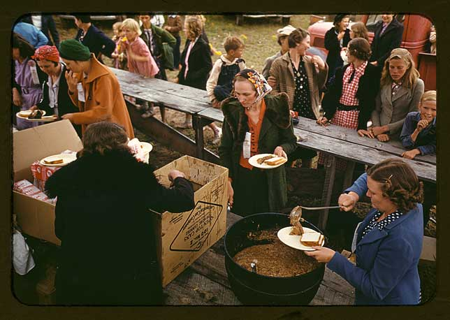 Serving pinto beans at the Pie Town, New Mexico Fair barbeque-Russell Lee 1940  [Library of Congress, Prints & Photographs Division, FSA-OWI Collection]