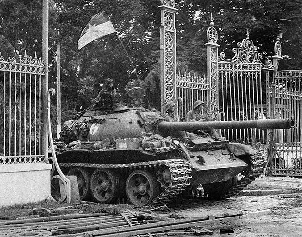 Entrada al Independence Palace, residencia presidencial en Saigón