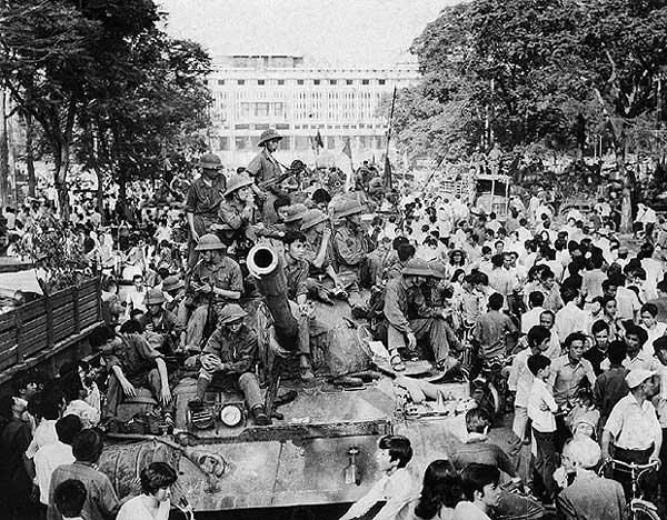 Caída de Saigón, 30 de abril , 1975. Fotógrafo de Vietnam del Norte