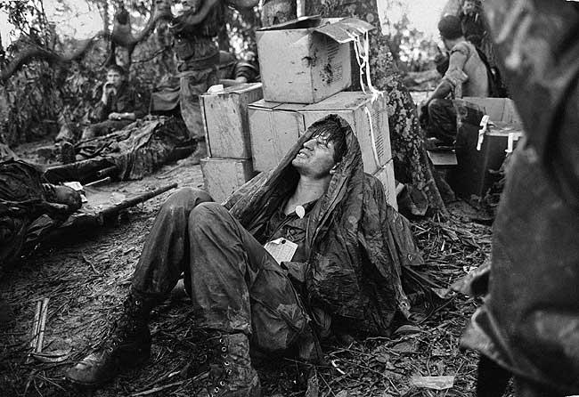 Heridos en la frontera de Laos. Hygh Van Es
