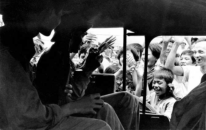 Tropas del Vietcong entrando en Saigón. Fotógrafo de Vietnam del Norte