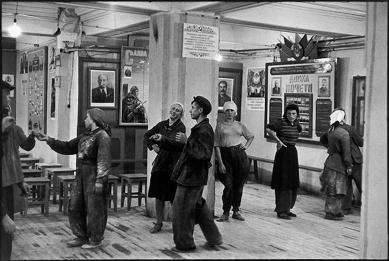 Henri Cartier-Bresson-Moskow_1954