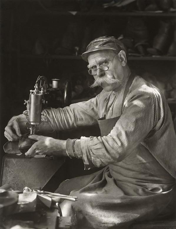 August Sander Schuhmachermeister - 1940